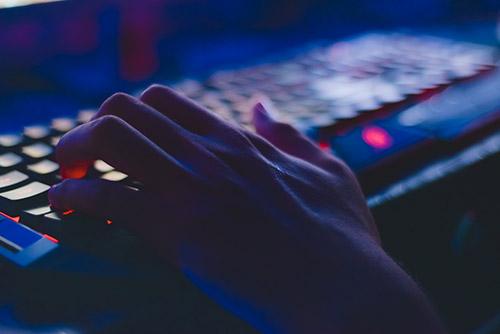 Verontrustende toename cyberseksconsumptie door coronavirus